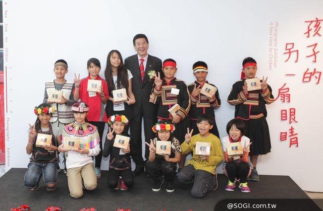 Canon落實影像公益 長期贊助「孩子的另一扇眼睛—校園攝影深耕課程」