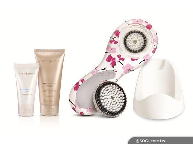 全球科萊麗10周年 限量推出「音波淨膚儀PLUS彩繪櫻花版」