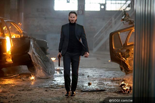 《捍衛任務》好萊塢動作巨星基努李維首部監製主演