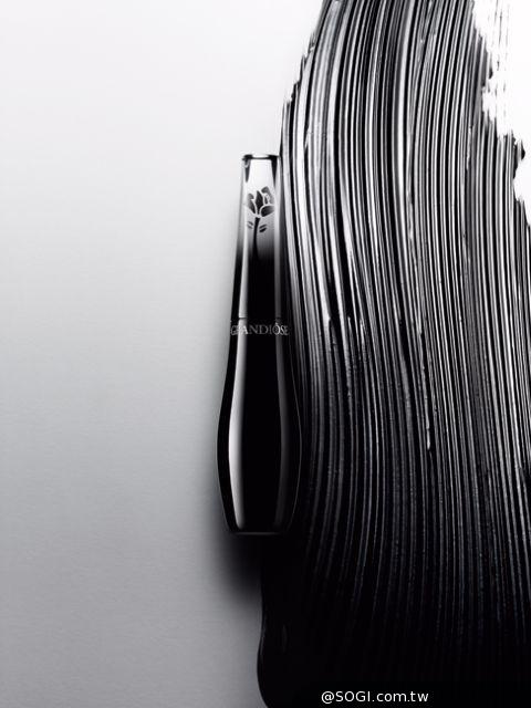 GRANDIÔSE 史上第一支天鵝S型刷頭睫毛膏 創造羽扇般纖長美睫
