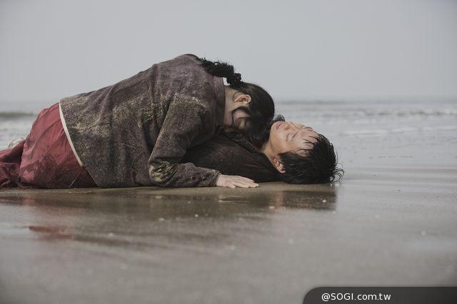 《海霧》朴有天大銀幕處女秀初吻床戲大放送 為愛不惜犧牲生命