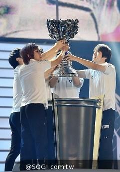 《英雄聯盟》Season 2014世界大賽 南韓SSW奪得世界盃冠軍
