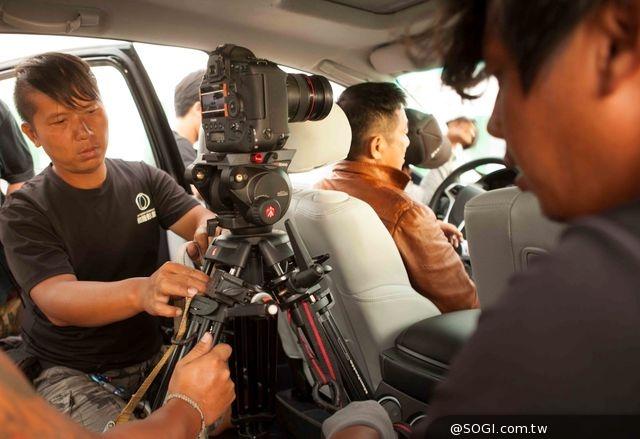 Canon CINEMA EOS數位攝影機 呈現《痞子英雄:黎明再起》驚險畫面
