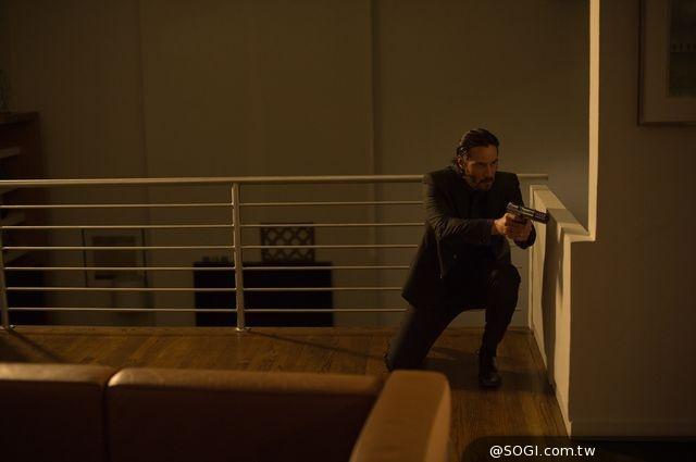 基努李維從影高評價《捍衛任務》動作戲親上陣,大銀幕展「槍夫」特技