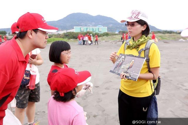 Canon持續實踐綠行動 再度攜手荒野保護協會參與「2014國際淨灘行動」