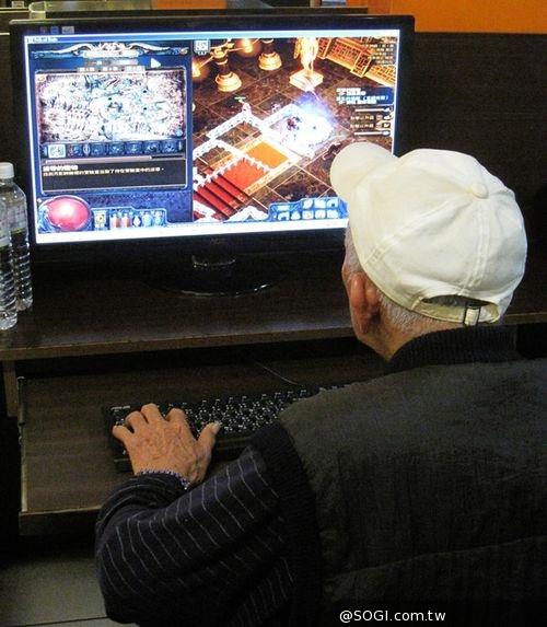 《流亡黯道PoE》全球玩家數突破700萬 70歲長青玩家化身銀髮流亡者