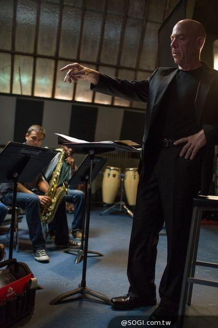 《進擊的鼓手》JK西蒙斯惡魔樂團老師 奪紐約影評人協最佳男配角