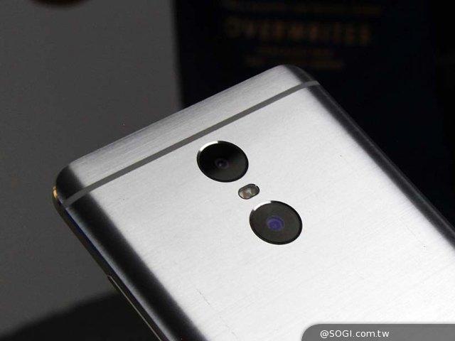 向旗舰靠拢的5.5寸红米Pro双镜头手机抢先上手玩